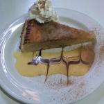 Pastel Cordobes con Canela en restaurante en Cordoba Sociedad Plateros Maria Auxiliadora para disfrutar cerca del palacio de viana