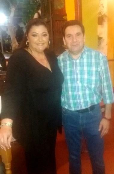 Charo Reina en el Restaurante en Cordoba Sociedad Plateros Maria Auxiliadora 05