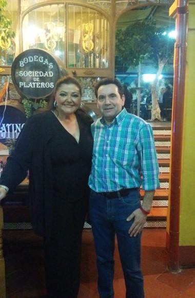 Charo Reina en el Restaurante en Cordoba Sociedad Plateros Maria Auxiliadora 10