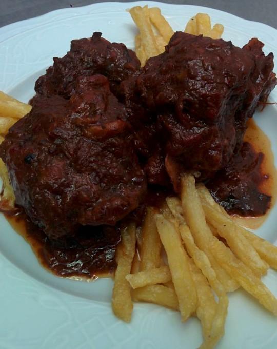 Plato sin Gluten Rabo de toro al Oloroso Montilla Moriles para nuestros amigos Celiacos en Restaurantes en Cordoba Sociedad Plateros Maria Auxiliadora