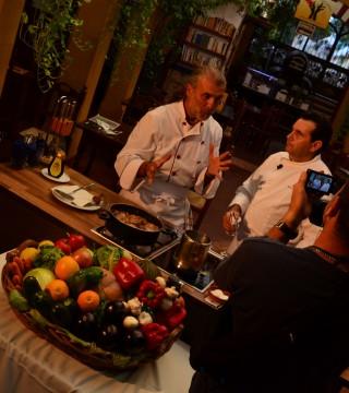 La television de Turquia en el Restaurante Sociedad Plateros Maria Auxiliadora 08
