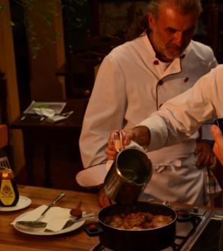 La television de Turquia en el Restaurante Sociedad Plateros Maria Auxiliadora 09