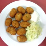 Croquetas de Bacalao adaptado celiacos para comer Cordoba Restaurante Sociedad Plateros Maria Auxiliadora con arcos Mezquita Catedral