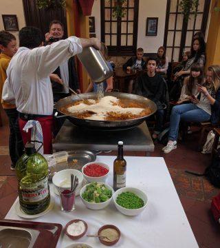Curso de paella para estudiantes franceses en el Restaurante Sociedad Plateros Maria 08