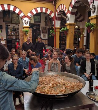 Curso de paella para estudiantes franceses en el Restaurante Sociedad Plateros Maria 11