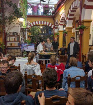 Curso de paella para estudiantes franceses en el Restaurante Sociedad Plateros Maria 14
