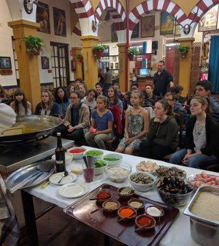 Curso de paella para estudiantes franceses en el Restaurante Sociedad Plateros Maria 16