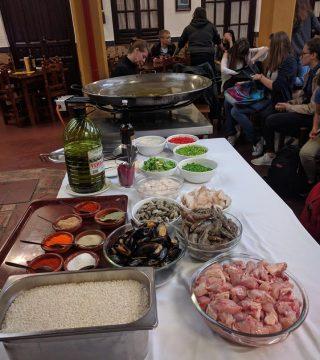 Curso de paella para estudiantes franceses en el Restaurante Sociedad Plateros Maria 19