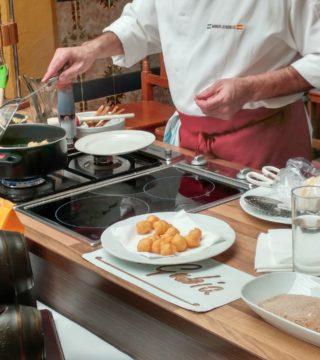 05-Bunuelos al viento sin gluten del Restaurante Sociedad Plateros Maria Auxiliadora