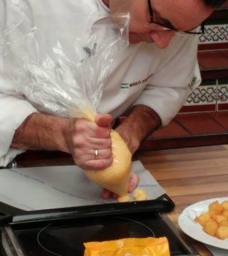 09-Bunuelos al viento sin gluten del Restaurante Sociedad Plateros Maria Auxiliadora